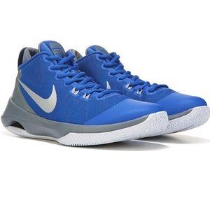 Nike Air Versitile Womens Basketball Shoe